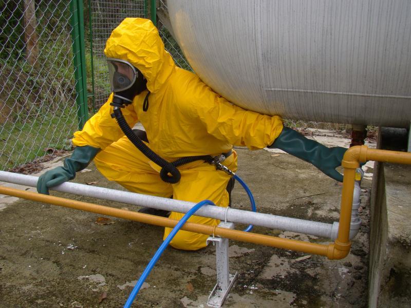 Equipamento de ar mandado garante ar puro para trabalhadores de locais confinados