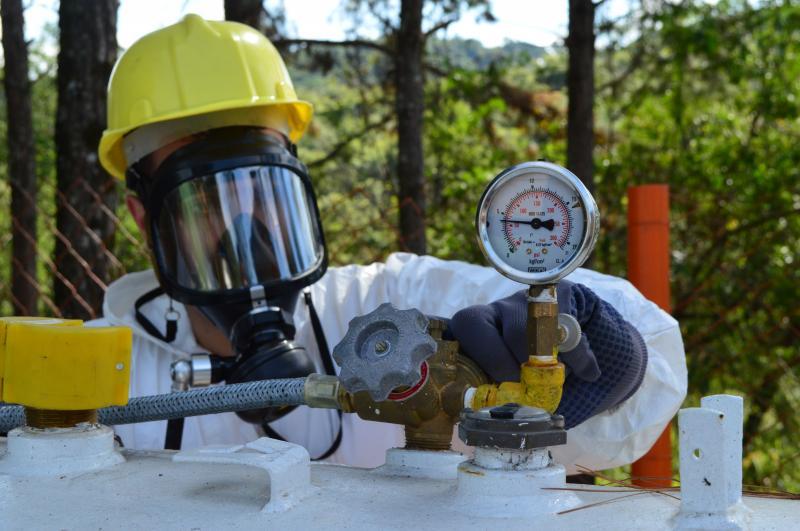 Conjunto de ar mandado proporciona respiração tranquila em ambientes perigosos
