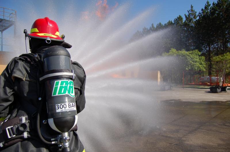 Saiba os riscos de não usar equipamento de proteção respiratória bombeiro