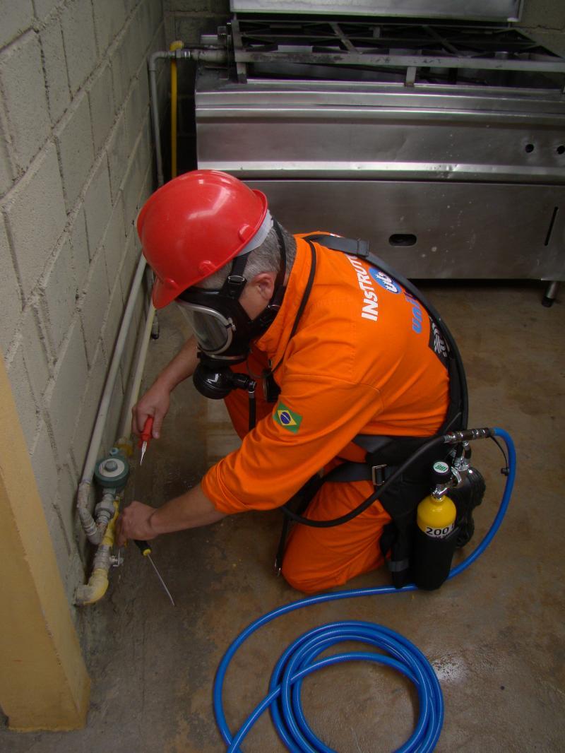Equipamentos para trabalho em espaço confinado seguem normas de fabricação e utilização, entenda